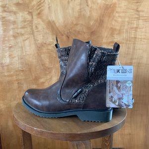 BRAND NEW MUK LUKS winter boots!